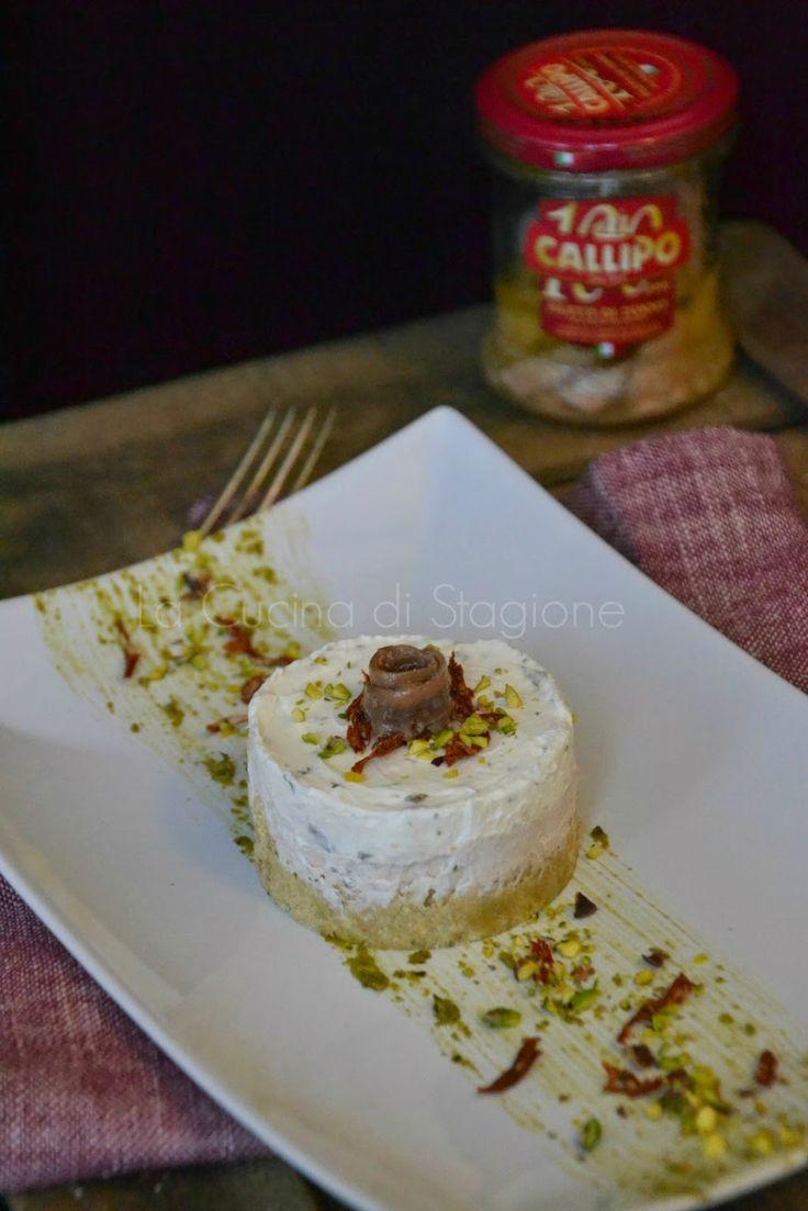 Cheesecake al tonno, acciughe e pistacchi