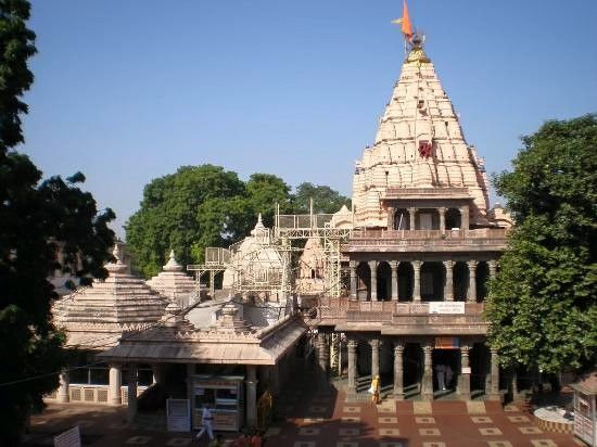 Shri Mahakaleshwar Temple, Ujjain  One of the 12 jyotirlingas, Mahakaleshwar is indubitably the one that bears the crown of being highly visited around the year. It remains widely popular. The city of Ujjain, which is also known as the city of temples, made Shiva the presiding deity.