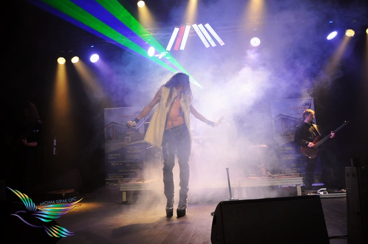 Michał Szpak with the band