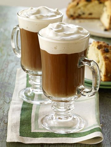 簡単ホットカクテルでほっと一息 授乳中の方にはノンアルコール ... ホットコーヒー…適量・砂糖…1tsp ・生クリーム…適量 *作り方*