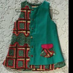 Robe enfant tissu africain et gabardine verte et rose
