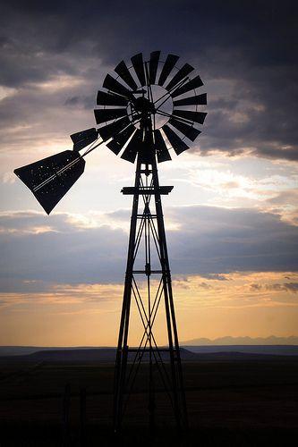 ˚Old Windmill - Montana ..rh-SR.