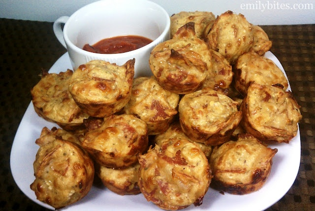 Emily Bites - Weight Watchers Friendly Recipes: Pepperoni Pizza Mini Puffs