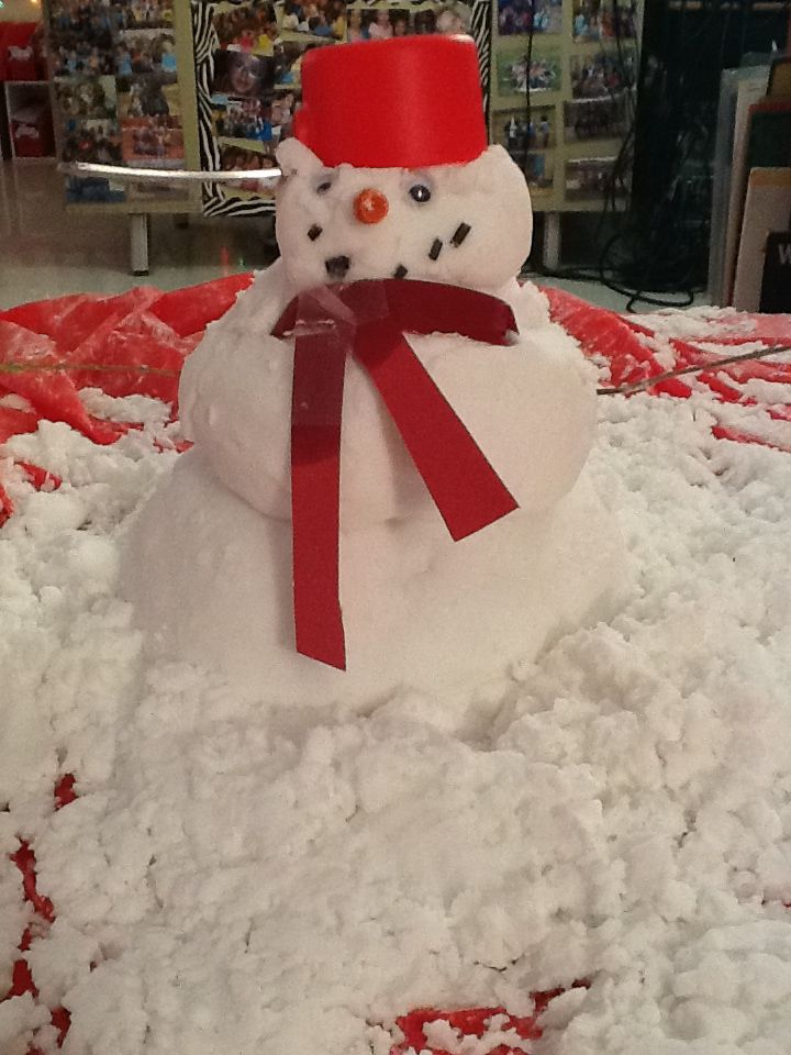 """This 'snow' was made with baking soda & conditioner ("""",)"""