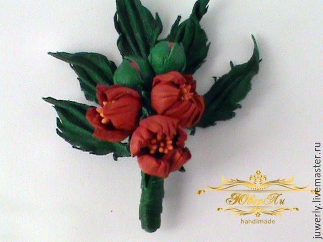 Купить Брошь Цветы из кожи Бутоньерка из кожи Красные колокольчики - ярко-красный, зеленый
