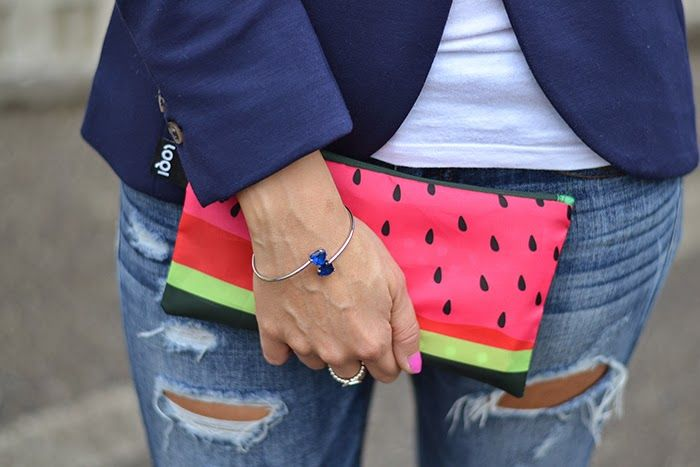 Sweet pinks. Fresh greens. Juicy reds. Tune up your summer outfit with the FRUTTI zip pocket collection. With @elisazanetti http://bit.ly/1KCLnIP