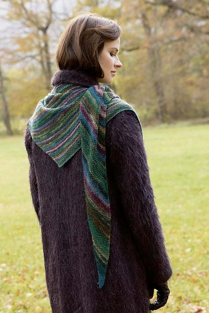 170 best Shawl and Wrap Knitting Patterns images on Pinterest Ponchos, Knit...