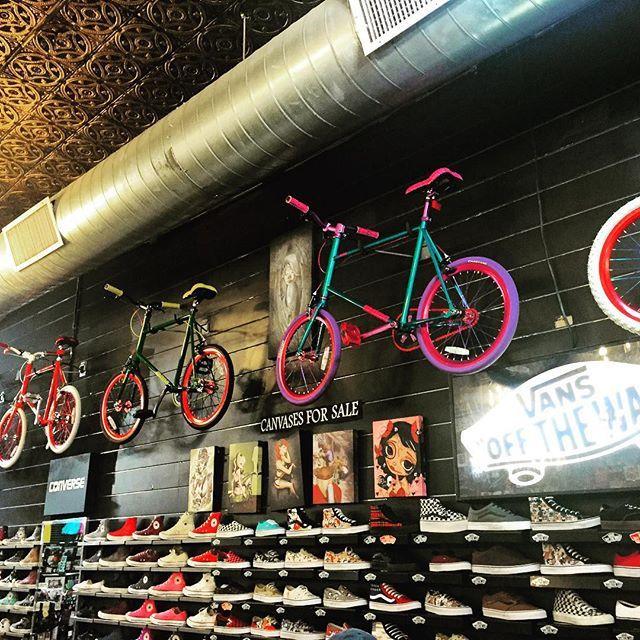 #offthewall #minivelo #fixie #fixedgear #bmx #colorful #bike #bikelife #bikes #bicycle #bicycles #yellowratbastard @yellowratbastardnyc @yrbmagazine #fashion #hiphop #hipster #nyc #newyorkcity #brooklyn #broadway #soho #revolution