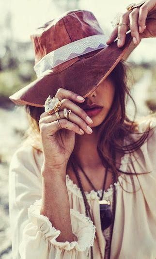 hat, rings, dress