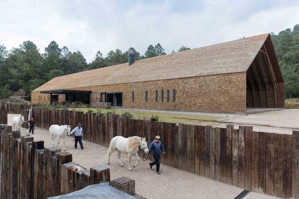 Equestrian Centre in Valle de Bravo Mexico by CC Arquitectos.