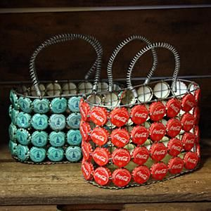 Teeny tiny upcycled Bottle Cap Bags! Would be great larger as well. Other great bottle cap ideas at this post. via coisas da gil