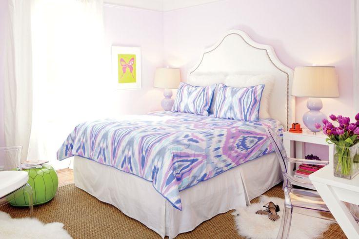 Interior Decorator Sam Allen Makes Over A College Student's Off-Campus Bedroom | TeenVogue.com