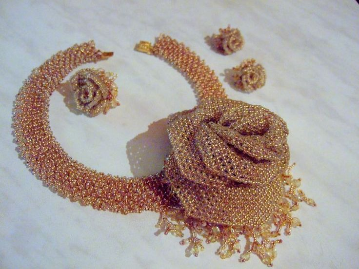 Золотые розы для невесты | biser.info - всё о бисере и бисерном творчестве
