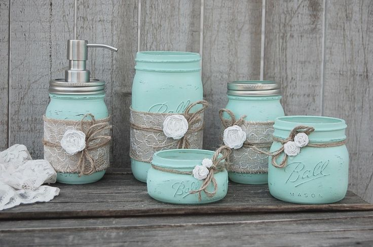 How to repurpose your old glass jars and mason jars to create beautiful painted vases in different shades of blue.