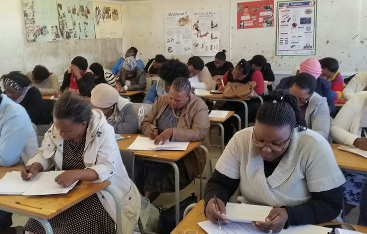 1175 Diploma in Grade R Teaching student will register on the Diploma in Grade R Teaching programme on the 15 July 2016 at 24 support centres across 20 districts of this province. These students comprises out of in-service practitioners and Early Childhood Development district coordinators. The Eastern Cape Department of Education (EC DoE) will provide these students with bursaries for the duration of their studies at SANTS Private Higher Education Institution.
