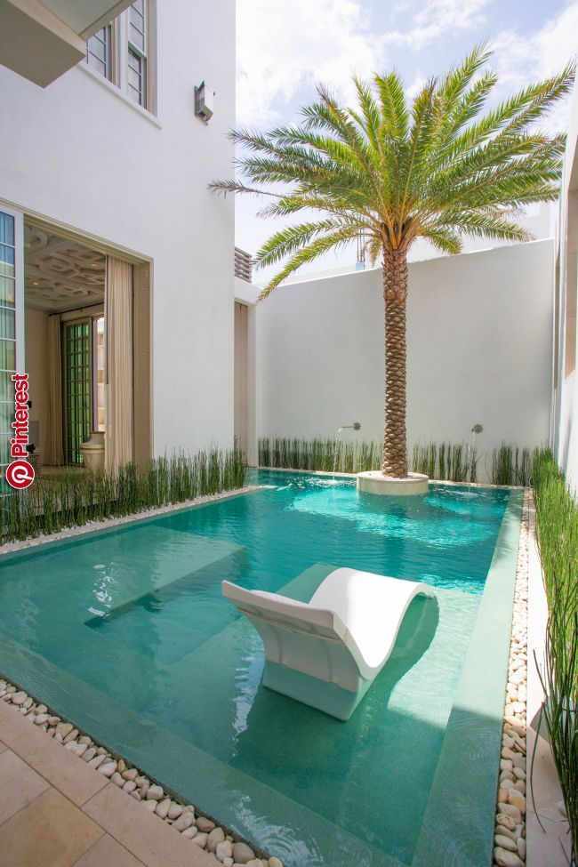 Pin By Hannah Norford On One Day In 2019 Casas Patio Pequeno Ideias De Piscina