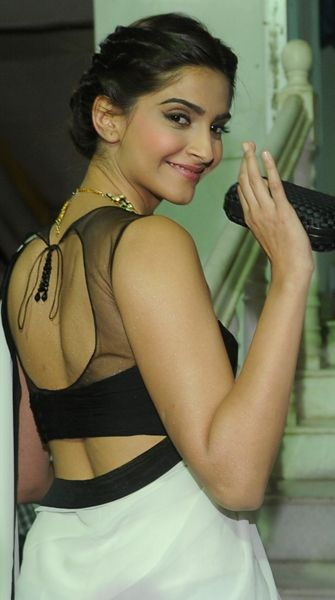 Why Sonam Kapoor makes for a good politician | Latest News & Updates at…