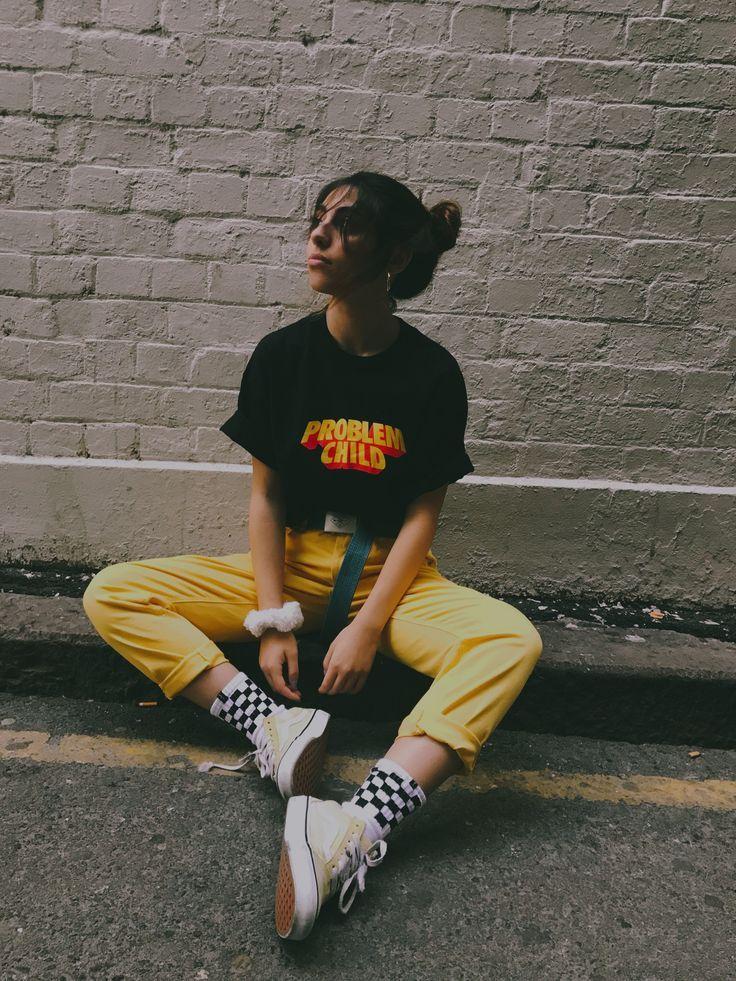 Problemkind-T-Shirt und gelbe Jeans #tylerthecreator #gesteuerter #Stil #checkeredsocks