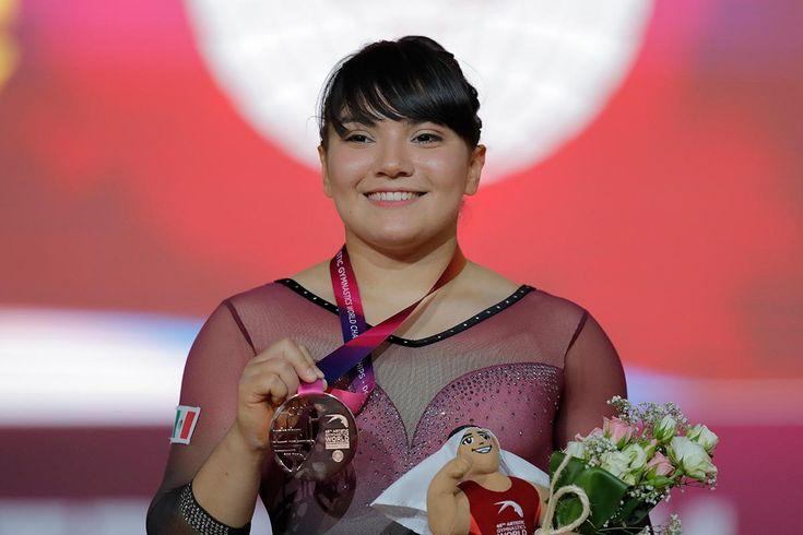 Orgullo de México; Alexa Moreno hace historia en Mundial Taekwondo, Beijing, City Icon, Female Gymnast, Famous Women, The Past, Wonder Woman, Superhero, Celebrities