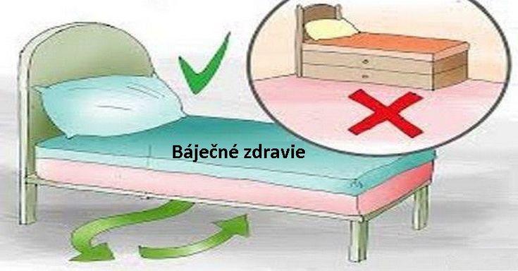Experti na filozofiu Feng Shui hovoria, že keď ležíte alebo spíte na posteli, vaše podvedomie sa otvorí aabsorbuje energiu zokolia. To je hlavný dôvod, pre ktorý sa odporúča neukladať nič pod vašu posteľ. Je tu však jedna výnimka. Ako by malo vyzerať miesto pod posteľou Podľa Feng Shui by priestor