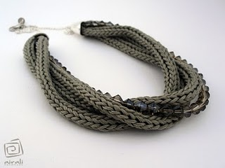 tricotin necklace I LIKE THIS, WOULD CHAGE SOME THINGS