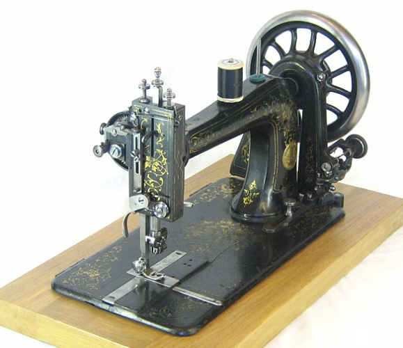 78 Best images about Antique sewing machines on Pinterest