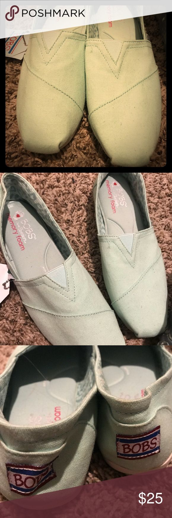 Women's bobs shoes size 7 New with tags memory foam Bob shoes Sea foam bob Shoes Flats & Loafers