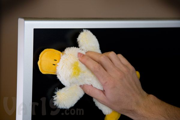 Duck Screen Wipes cleans your monitor, laptop screen, and TV