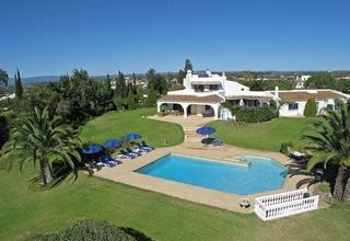 4 bedroom villa, albufiera.Algarve, Portugal  info@algarveweddingsbyrebecca.com