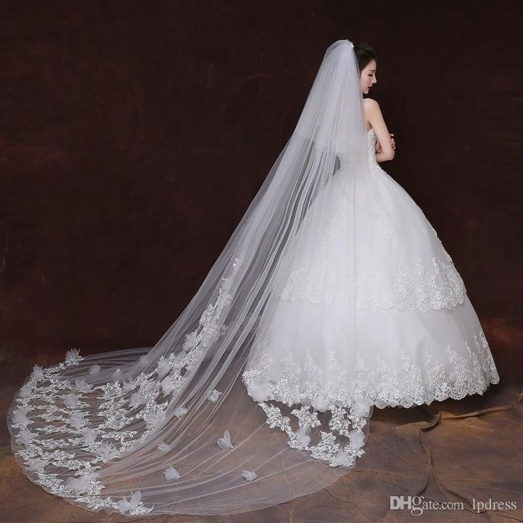 You can't amaze people without bridal wedding veil on DHgate.com and you can also choose buy bridal veil and cheap bridal veils and tiaras. lpdress thinks that top quality bridal veils long wedding veils ivory wedding accessories soft tulle with applique sequins fancy bridal veils can make you a pretty bride.