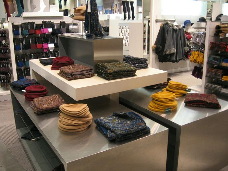 Simons is a Canadian success story in retailing. Currently, a 5th generation business which is expanding across Canada with rave reviews. In their Laval, Quebec location one can find a collection of Parkhurst Accessories pieces. #Laval #Quebec #Canada