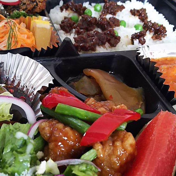 今日もお弁当でた―♪ あーうまっ😋エビチリ最高かょ♪ #お弁当#エビチリ#肉#野菜#中華#うまい #最高#デザート#杏仁豆腐#Thankyou