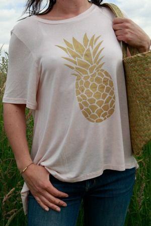 diy t-shirt customisé avec un ananas http://danslesboitesdeliaure.com/