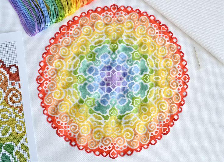 ¡Bienvenido! Disponible aquí es este kit de punto de Cruz completa que contiene todo que lo necesario para coser este diseño maravillosamente coloridos Mandala de espectro. El kit vendrá con vibrantes hilos DMC y utiliza completo Cruz puntadas solo. Este kit es de un nivel de