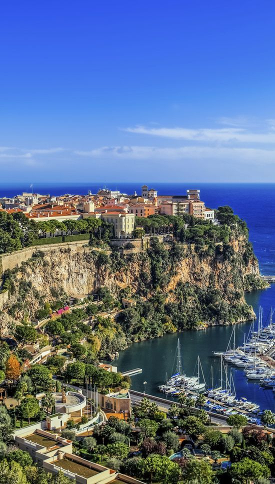 Monaco, French Riviera - Beautiful and peaceful place to be and admire the riches