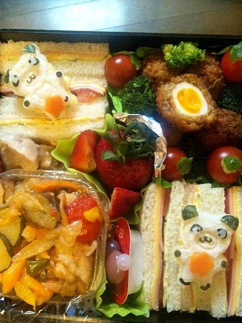 遠足同行、皆でもつまめるように色々詰めたら、作ったおかずが入り切らず…まっ夕飯楽かなw  ☆サンドウィッチ(ハム・チーズ・トマト・キュウリ&卵・ハム・キュウリ)☆スコッチエッグ☆チキンラタトゥイユ☆ビッグベリ-☆ - 16件のもぐもぐ - Lunch box☆pandaパンダ〜 by Ami