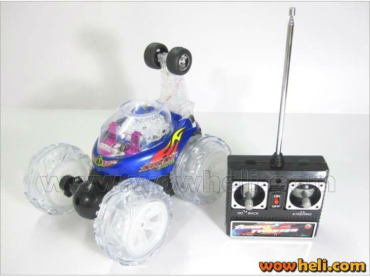 Turbo Twister rc Remote Control Stunt Car with Flashing Lights on the Wheels FSWB