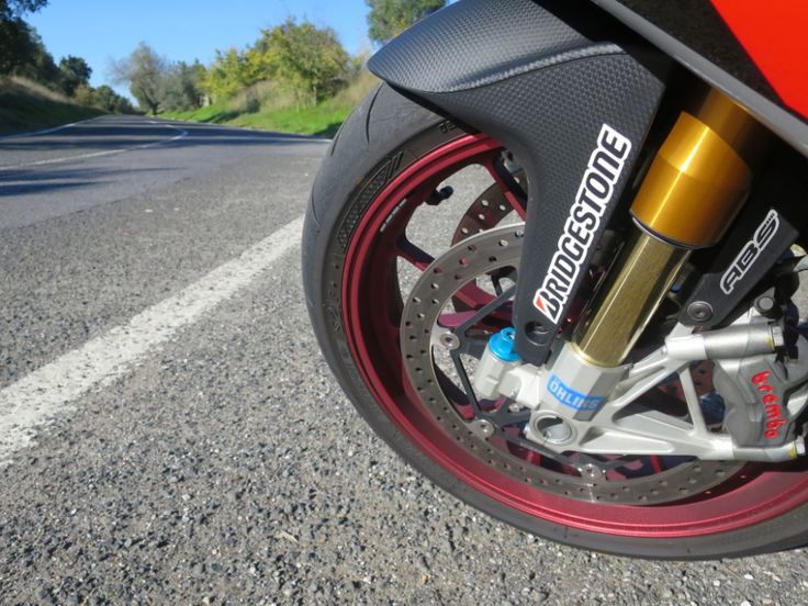 Fiquem a conhecer em maior detalhe, todo o trabalho desenvolvido pela Motociclismo e toda a performance e qualidade dos pneus BATTLAX S21! #bridgestone #motociclismo #testes