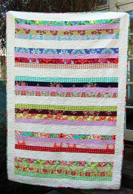 Very simple quilt but I love it! Using long strips of fabric, quilt pattern Quilts to Sew ...