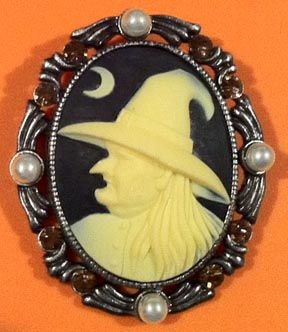 Witch cameo