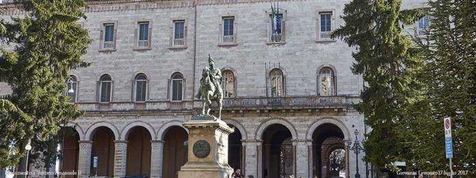 Nuovo Teatro in Piazza a Perugia tra musica, letture e una produzione Fontemaggiore. Il programma dei prossimi giorni della rassegna teatrale diretta da Giampiero Frondini