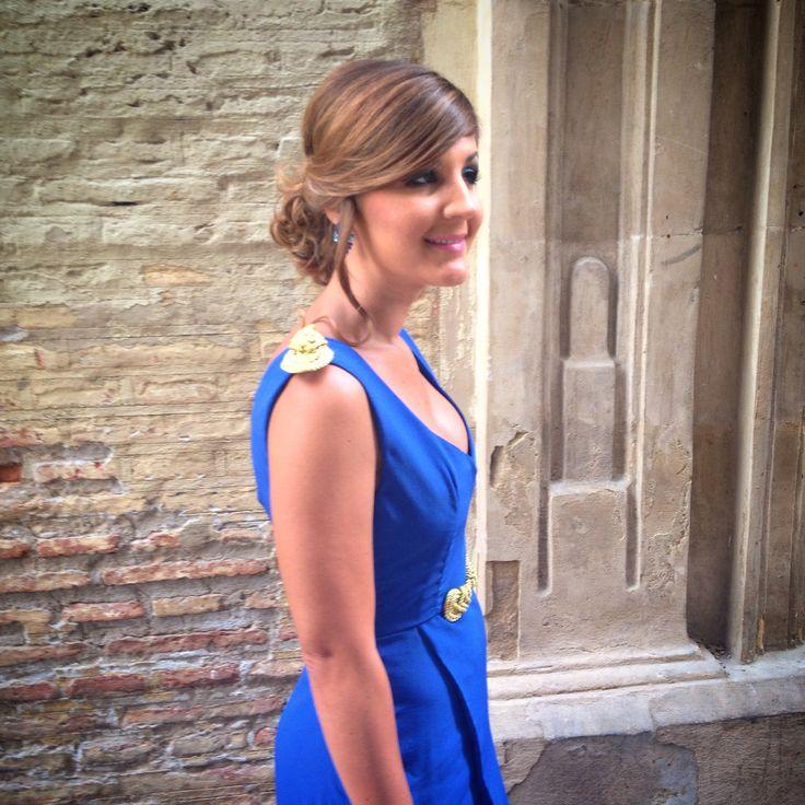 Detalles cordon dorado ️Vestido invitada boda azul Klein