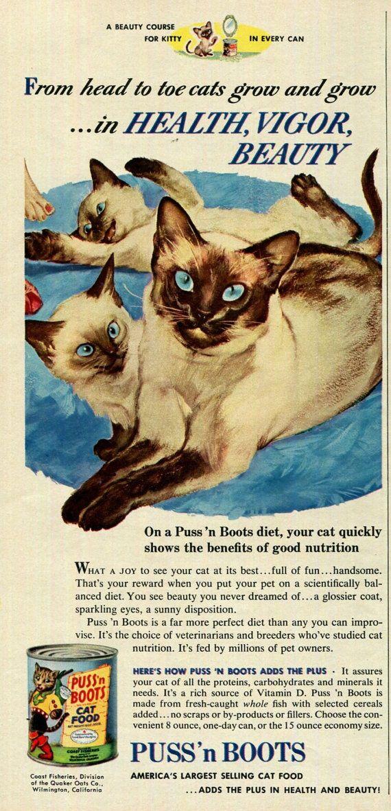 Siamese katten poes 'n laarzen Cat Food Print door SkippiDiddlePaper