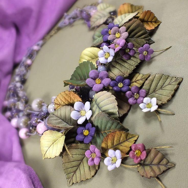 Купить Сад Счастливой Сирени. Колье из натуральных камней и натуральной кожи - фиолетовый, сиреневый, лавандовый