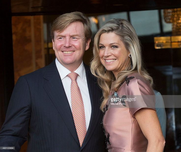 King Willem-Alexander of The Netherlands (L) and Queen Maxima of The Netherlands  (wearing a dress by Flemish designer Natan)  arrive for festivities marking the final celebrations of 200 years Kingdom of The Netherlands on September 26, 2015 in Amsterdam,  Netherlands (Photo by Michel Porro/Getty Images)