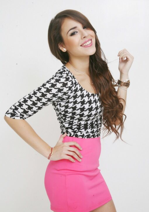 Pink pencil skirt and pattern shirt...loveeeee it <3