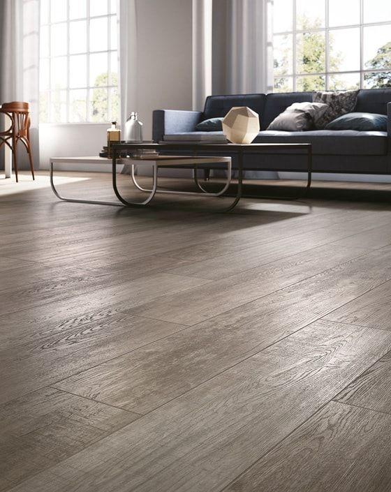 Planken tegels: tegels met de uitstraling van hout maar het praktische gemak van gebakken tegels. Deze hout tegels zijn ideaal in combinatie met vloerverwarming en daarom prachtig voor de woonkamer vloer! Maar ook heerlijk in de badkamer en zelfs geschikt voor in de douche!