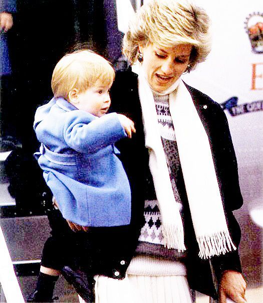Young Prince Harry with Mummy: