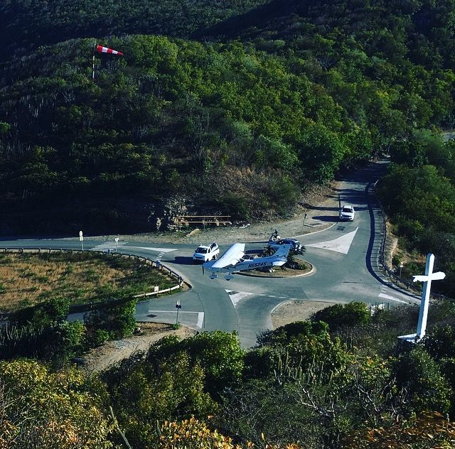 airport | st jean | i want to take my fly for st barth ;)  | free in st barth | st barth lifestyle |