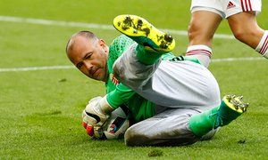 Euro record-breaker Gabor Kiraly trousers the praise as Hungary icon